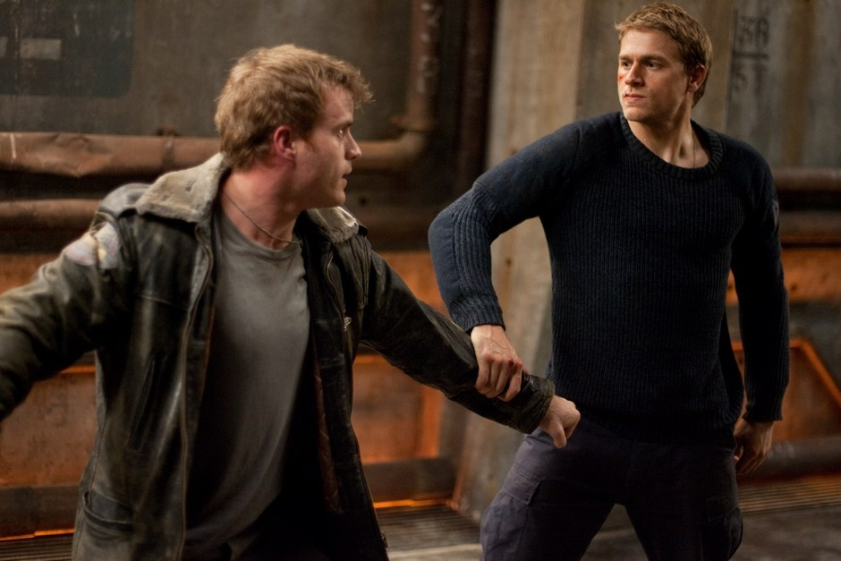 Charlie-Hunnam-in-Pacific-Rim-2013-Movie-Image-24